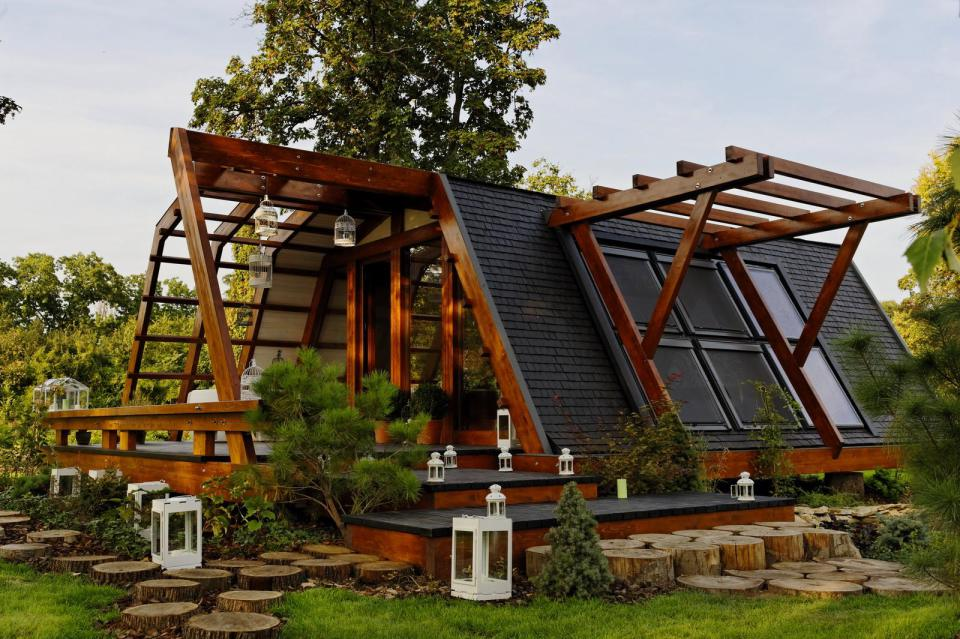The world 39 s most incredible low carbon houses 1 million for Tiny house blog family