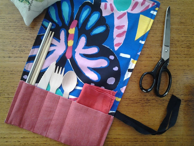 The Rouge Gingers Sewing Tutorial For Cutlery Wrap 1
