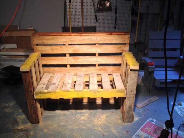 How To Turn Old Pallets Into Furniture For Your Home 1